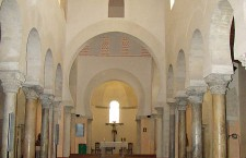 Interior San Cebrián de Mazote (Por Nicolás Pérez en Wikimedia)