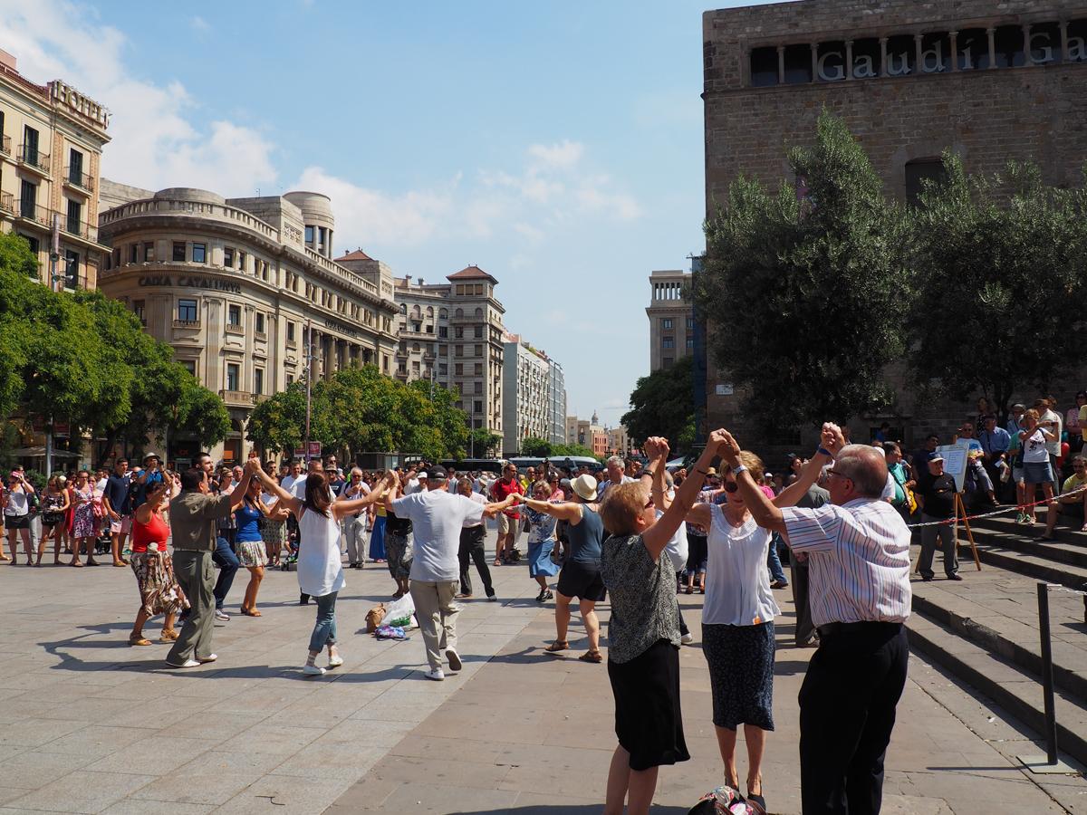 Sardanas catedral de Barcelona - Baile