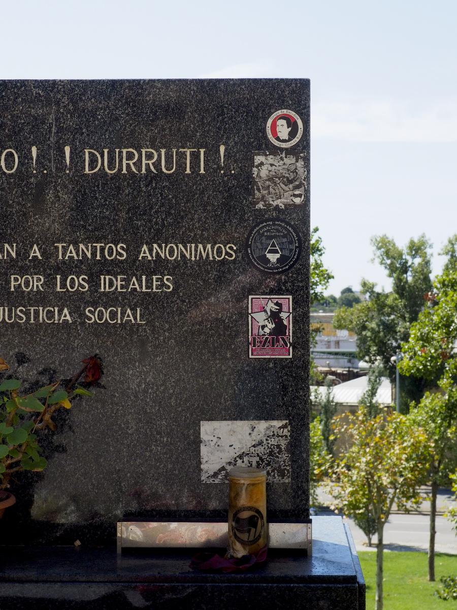 Cementerio de Montjuïc - Tumba de Buenaventura Durruti (Detalle)