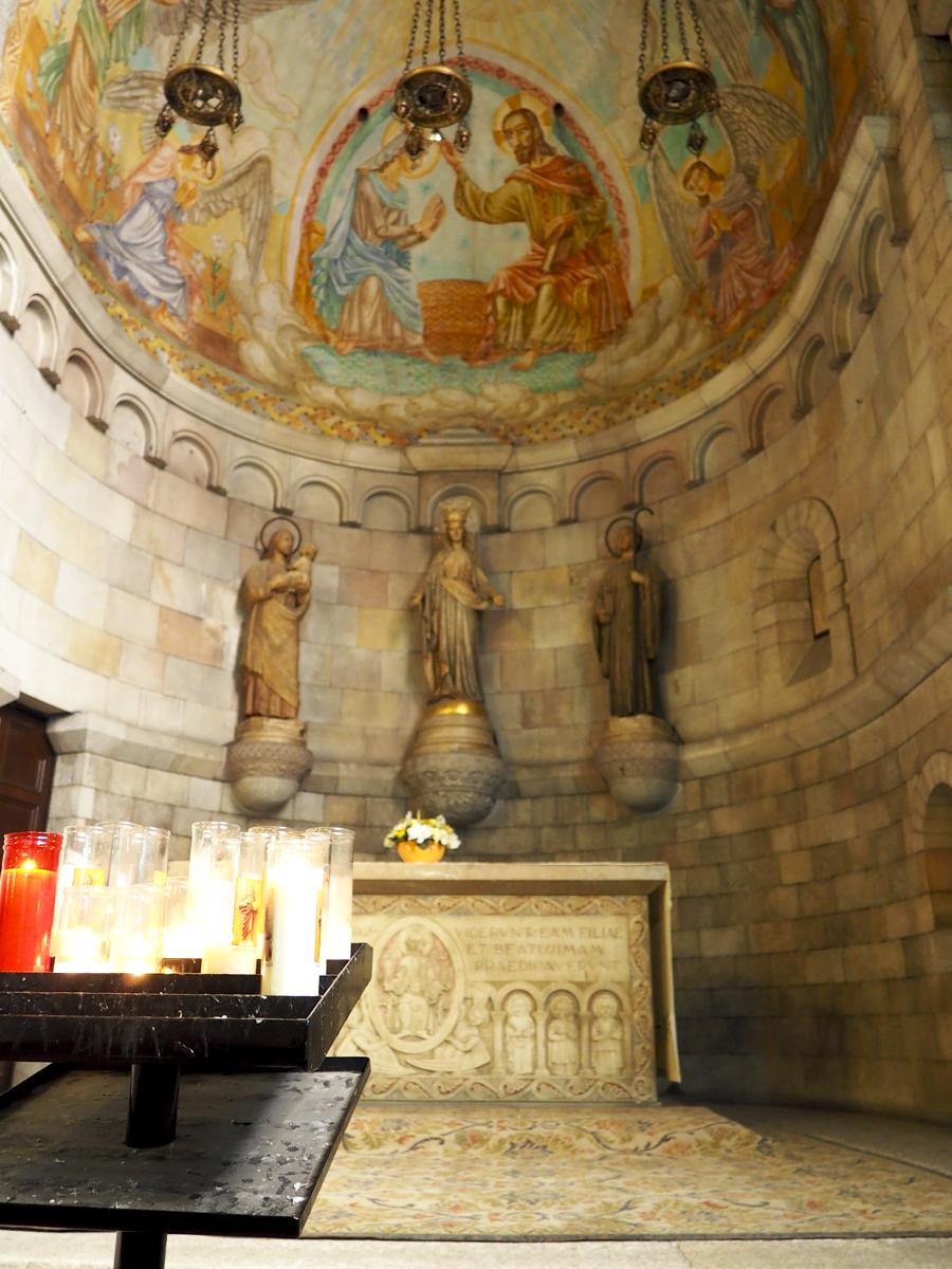 Capilla lateral en Sant Pere de les Puel·les