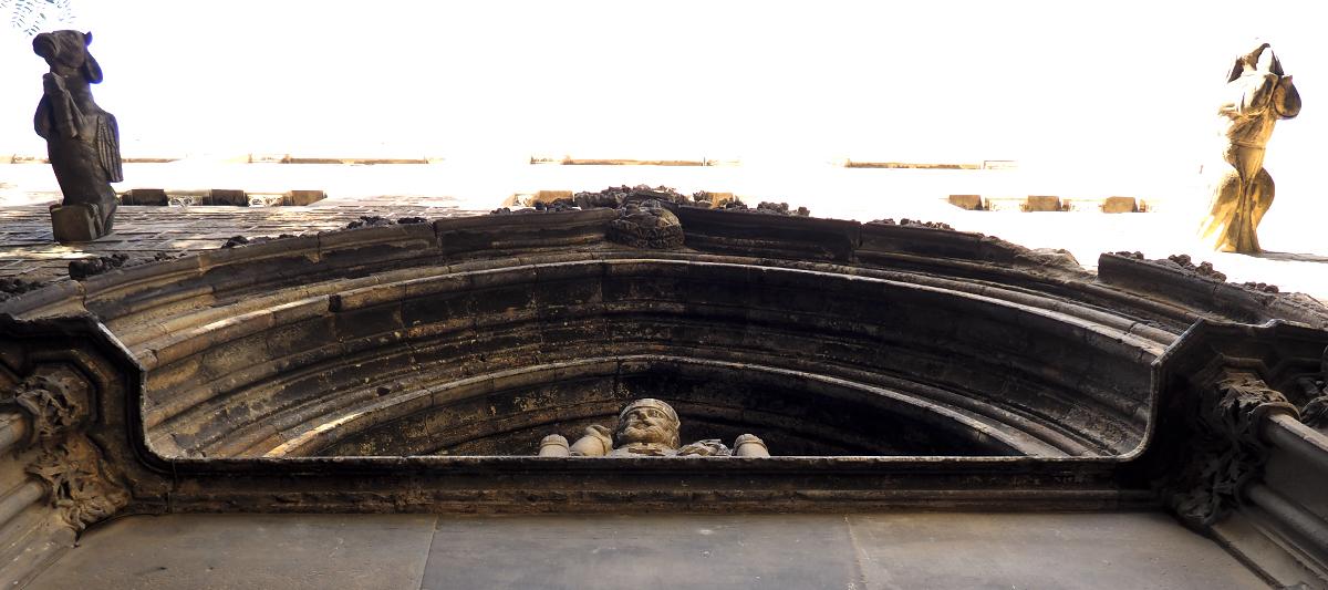 Portal de Sant Pere de les Puel·les