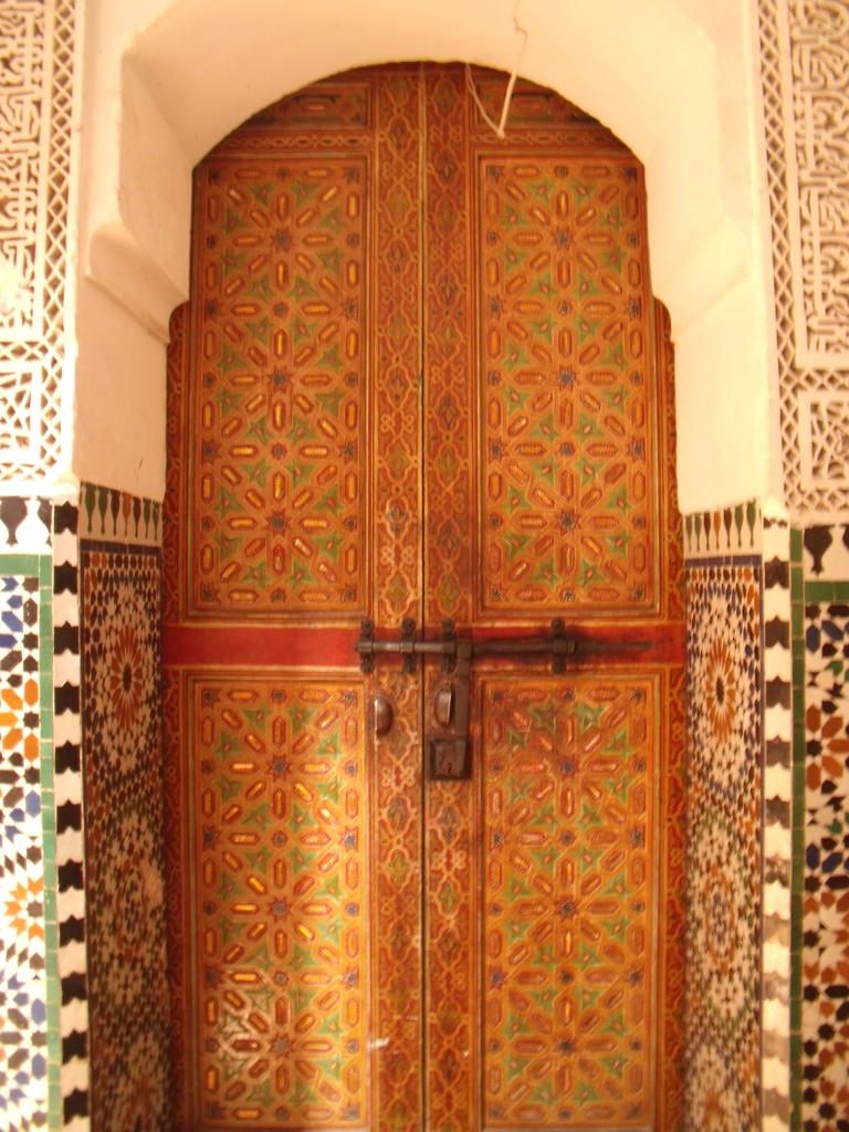 Puerta de madera en Meknès