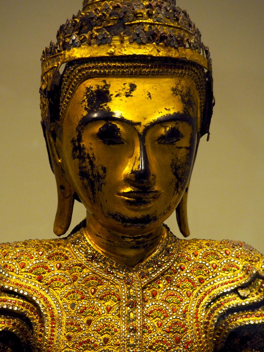 Buda coronado de Birmania